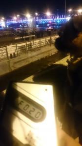 Измерение радиации на Адмиралтейской набережной в Санкт-Петербурге